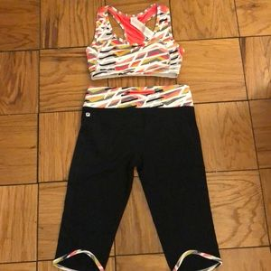 Trendy Fabletics sports bra and cropped leggings